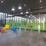Vleuterweide_school_Utrecht_hal_pakket_glaswanden_multi_design_deels_open